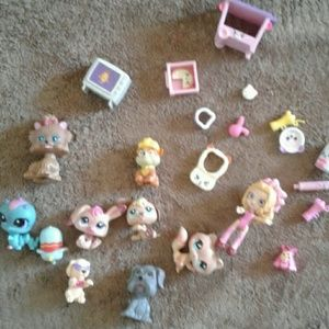 Other - Girls tiny figurine bundle neo pets